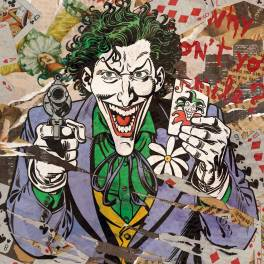 Joker con pistola e carta jolly